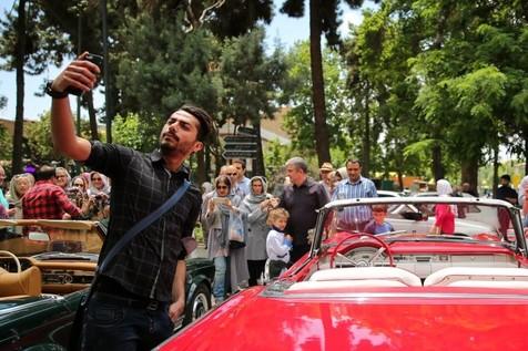 ۵۰ خودروی کلاسیک راهی کاخ نیاوران شدند+تصاویر