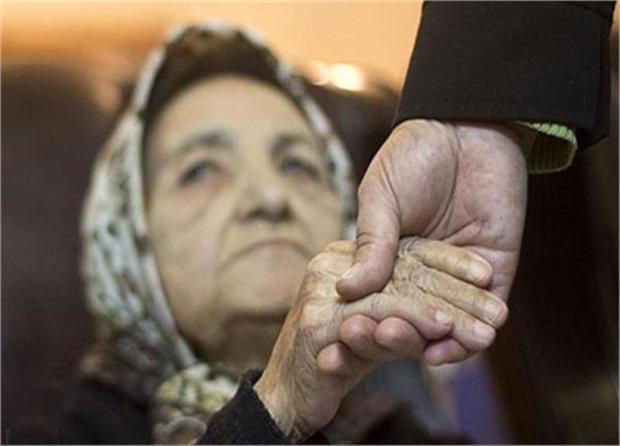 زنان سالمند از مردان بیشتر هستند