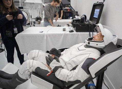 آمادهسازی فضانوردان برای مأموریت دراگون