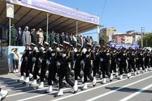 رژه یگان های نیروی زمینی و دریایی ارتش در مازندران برگزار شد