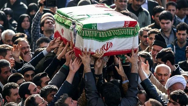 11 شهید سالهای دفاع مقدس در اصفهان تشییع شد