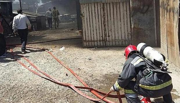 آتش سوزی محوطه یک کارگاه آهنگری در آستارا مهار شد