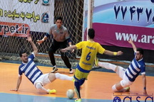فوتسال لیگ برتر  ارژن شیراز پس از هفت هفته ناکامی، آذرخش بندرعباس را برد