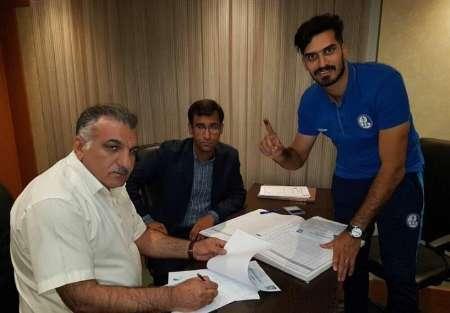 قرارداد جمعی از بازیکنان و کادرفنی استقلال خوزستان درهیات فوتبال ثبت شد