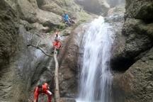 کشف جسد کوهنورد سقوط کرده در آبشار شفیعآباد علی آبادکتول