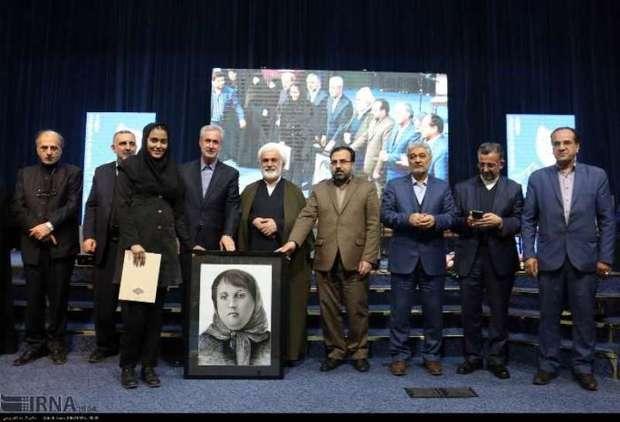 پروین اعتصامی، نخستین شاعر زن ایرانی با شهرت فرامرزی