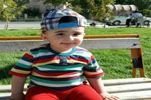 کودک 15 ماهه اردبیلی توانایی خواندن کلمات فارسی و انگلیسی را دارد
