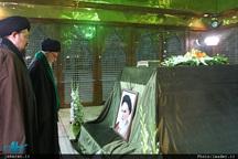 حضور رهبر معظم انقلاب در مرقد مطهر امام راحل و گلزار شهدای بهشت زهرا