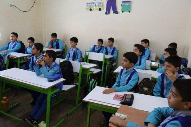 65 هزار دانش آموز خوی در کلاس های چند پایه تحصیل می کنند
