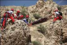 نجات کوهنورد مصدوم از ارتفاعات شملق سبزوار