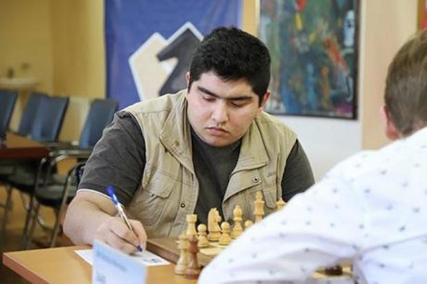 ثبت اولین برد نابغه شطرنج ایران وگلستان در تاتااستیل هلند