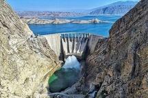 رهاسازی آب از سد سلمان فارسی برای تخلیه رسوبات  مردم نزدیک رودخانه قرهآغاج نشوند