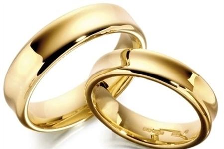 چرایی گرایش برخی مردان به ازدواج با زنانی بزرگتر از خودشان