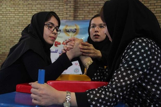 رقابت های مچ اندازی بانوان در بوکان برگزار شد