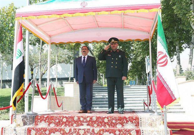 دیدار وزیران دفاع ایران و عراق؛ وزیر دفاع عراق: ایران نقش مهمی در شکست داعش داشت