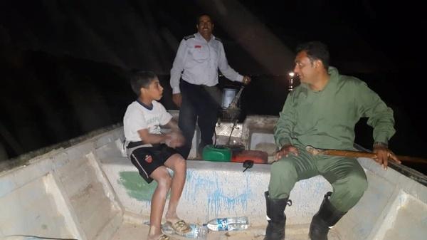 نجات جان یک کودک از غرق شدن در کانال سلمان اهواز