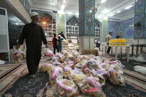 چهارهزار بسته غذایی برای توزیع در مناطق سیل زده خوزستان آماده شد