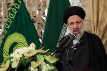 انتخاباتی بر پایه اقتصاد/ یک انتخاب بین پیوستن به اقتصاد جهانی تحت ریاست جمهوری روحانی - که قرارداد هسته ای را رهبری کرده – و اقتصاد محافظه کارانه