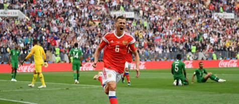 FIFA:  تعویض های فوق العاده شروع رویایی میزبان را رقم زد