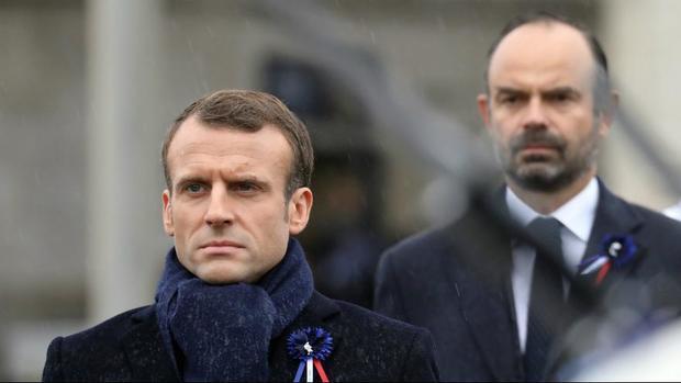 دولت فرانسه پس از «شنیدن صدای معترضان» باز هم در برابرشان عقب نشست