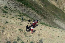 حضور دو تیم امداد و نجات در محل حادثه ریزش تونل ازنا/اعزام تیمهای واکنش سریع