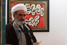 هدف آمریکا از تحریم ها ضد ایران تخریب روحیه استقلال طلبی مردم است
