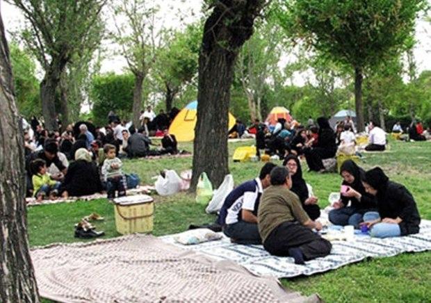 900 نیروی رفت و روب در بوستان های تهران فعال هستند