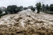 تلاش ها برای مهار سیلاب رودخانه حاجی عرب ادامه دارد