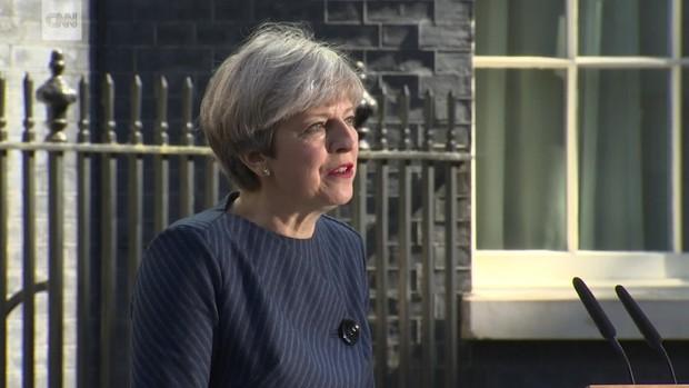 عکس/ خبر غیرمنتظره نخست وزیر انگلیس