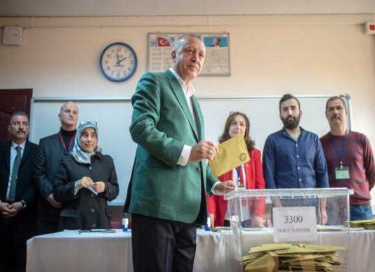 برد و باخت در این انتخابات جنجالی برای اردوغان باخت است؟/ پناهندگان سوری در ترکیه گوشت قربانی می شوند