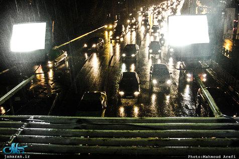 ترافیک در هراز و چالوس/ بارش باران در جادههای 5 استان
