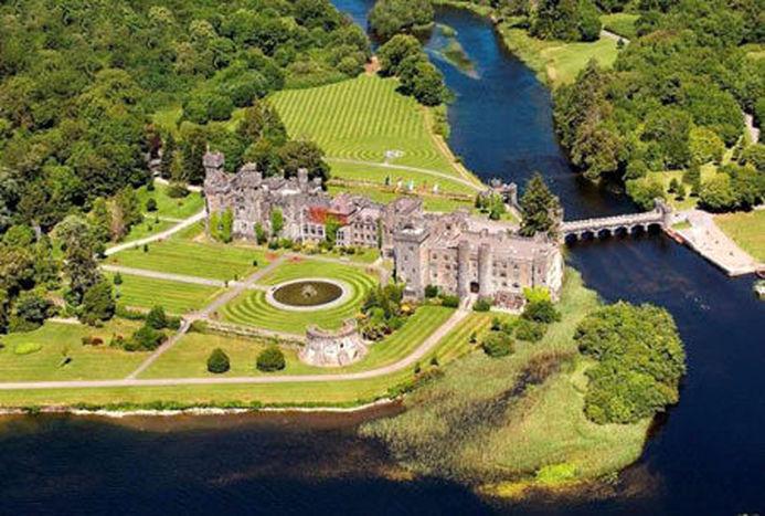 قلعه زیبا و تاریخی آشفورد در ایرلند +عکس