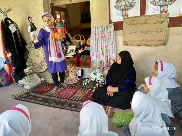 خانه هندیجان میزبان عروسکهای دستساز اقوام ایرانی شد