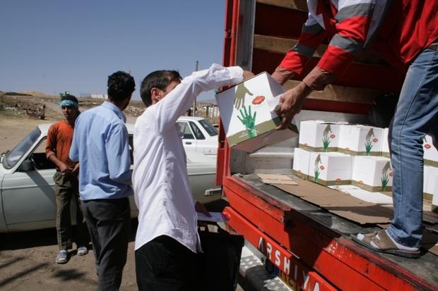 کمک های مردمی در کمترین زمان به مناطق سیل زده ارسال می شود