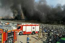 آتش سوزی در انبار ۳ هزار متری در تهران + عکس