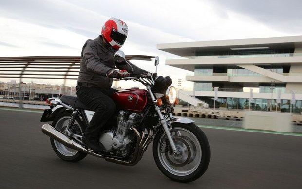 کشف موتور سیکلت میلیاردی قاچاق در تاکستان