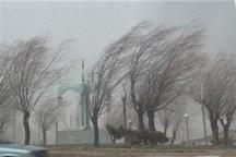 سرعت وزش باد در اردبیل به ۸۴ کیلومتر در ساعت میرسد