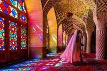 استفاده از چادر در مسجد نصیرالملک شیراز اجباری شد