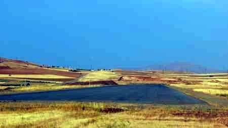 ساخت عملیات  تکمیل فرودگاه سقز کردستان  از  مرداد ماه