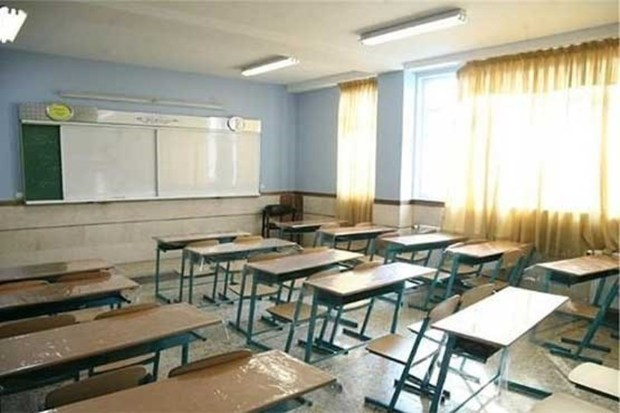 مدارس شهرستانهای سیل زده استان  تا 26 فروردین تعطیل اعلام شد