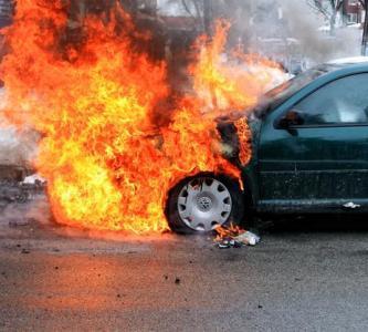 آتش گرفتن خودروی گشت پلیس در تبریز  سوء قصدی در کار نبود