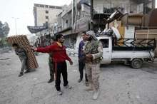 غارت شهرکهای کفریا و الفوعه توسط گروه های مسلح/ آزادی شهرکها و روستاهای درعا تا القنیطره/رایزنی تلفنی پوتین و ماکرون درباره سوریه