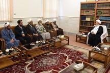 آیت الله مکارم: تقویت زیرساختهای حوزوی در شیراز ضروری است