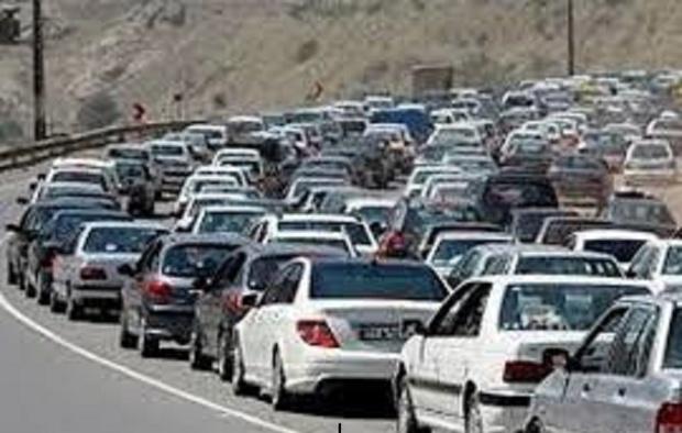 ترافیک ورودی و خروجی های مشهد نیمه سنگین است