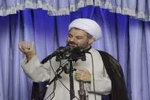 امام خمینی(ره) در قلب ملت ایران جای دارد
