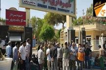 کارگران شهرداری آبادان خواستار پرداخت حقوق خود شدند