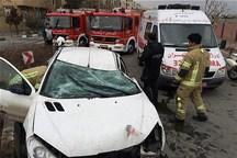 ۱۲ دستگاه خودرو در محورهای استان همدان واژگون شد