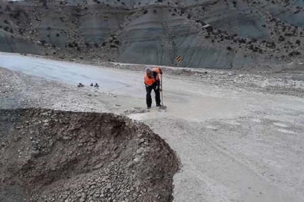 محور دهدشت - قلعه رئیسی مسدود شد