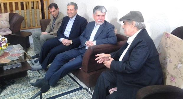وزیر ارشاد با سه هنرمند پیشکسوت بوشهری دیدار کرد