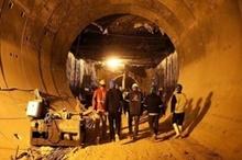 یک سال کار بدون مزد در پروژه متروی اهواز  تشکیل جلسه کمیسیون کارگری برای حل مشکلات